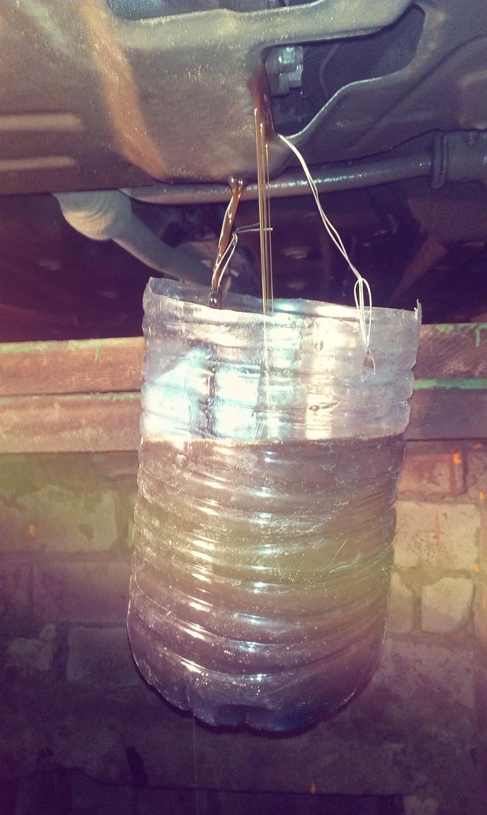 Тара для сбора отработанного масла из механики