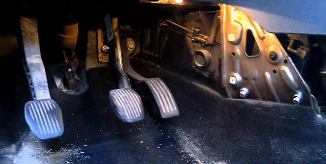 Расположение салонного фильтра в Форд Фокусе 2