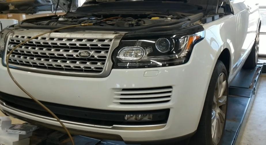 Land Rover с пробегом 100000 км.