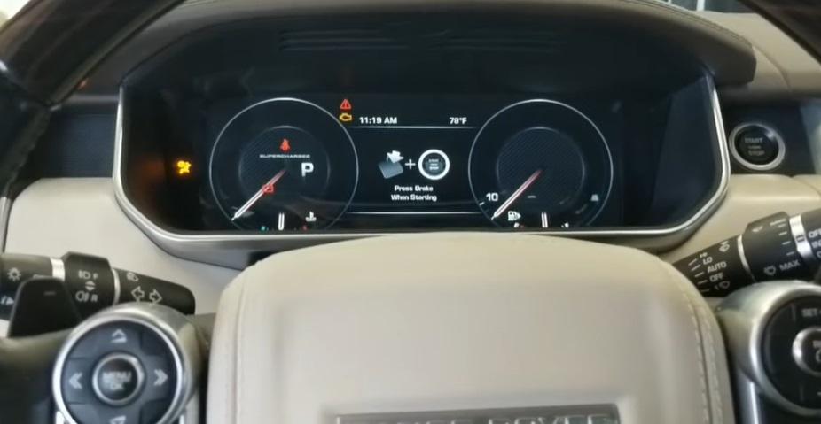 Показатели на дисплее о замене моторного масла в Ровер Спорт