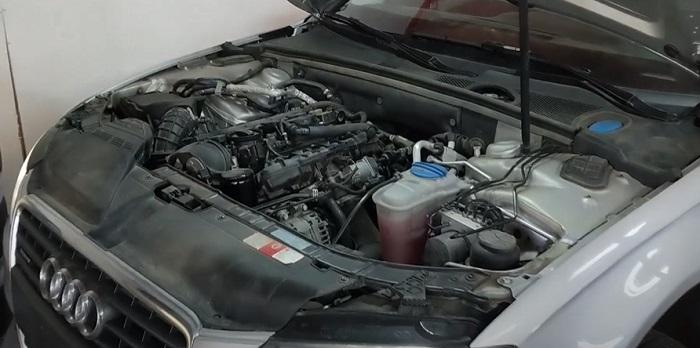 Осмотр двигателя АУДИ