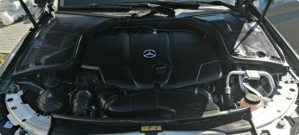 Двигатель Mercedes 220 D