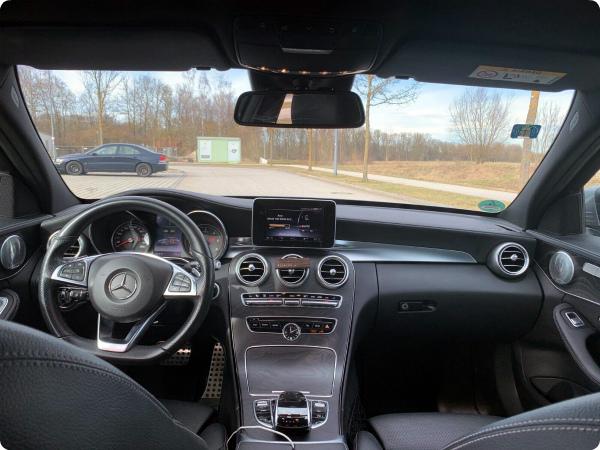 Вид с водительского сиденья Мерседес
