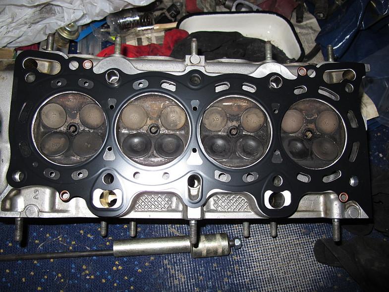 прокладка между двигателем и ГБЦ